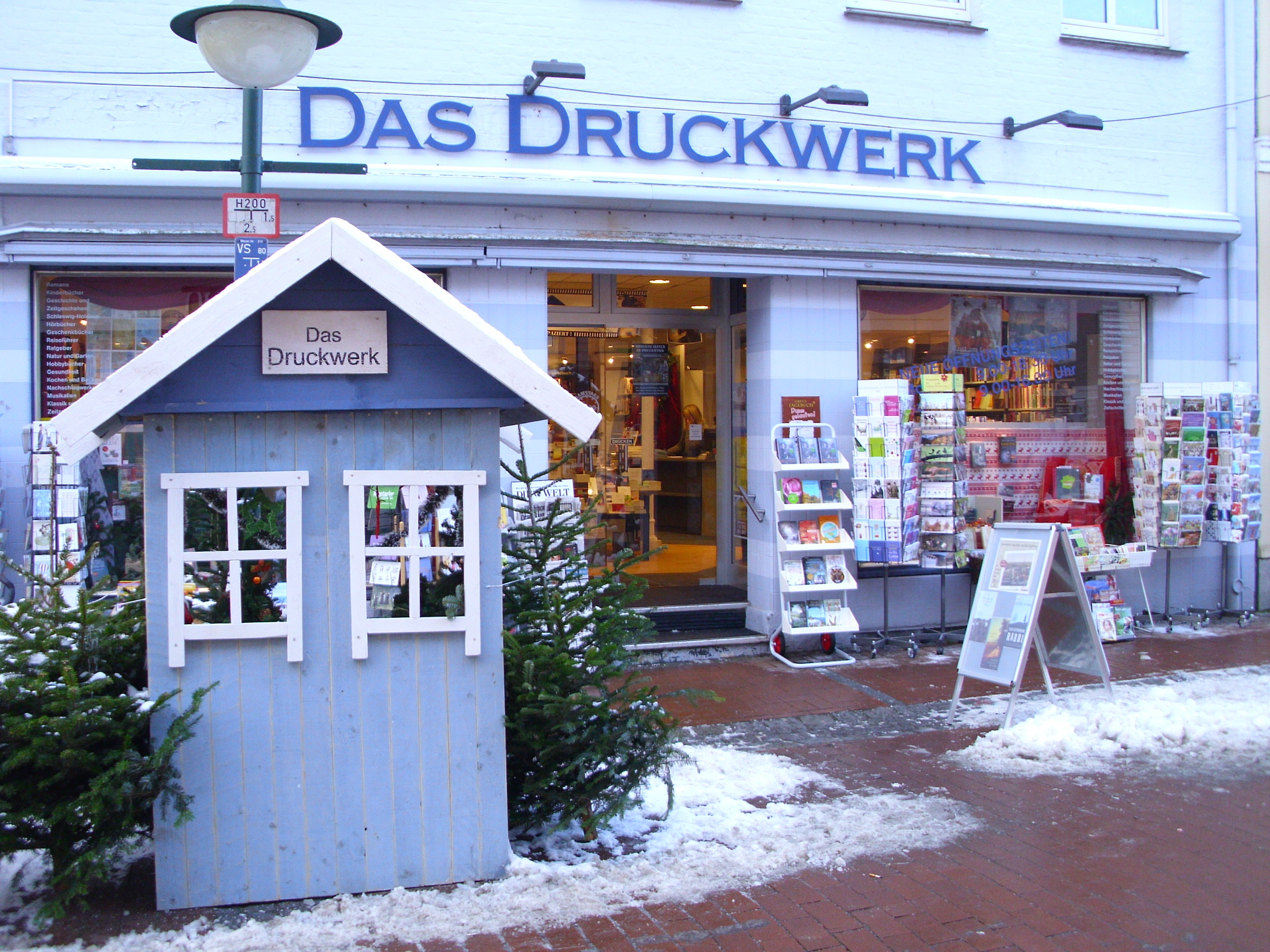 Bild vom Laden bei Winter